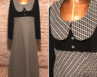 Vintage 1970s Black and White Maxi Dress // 70s Collared Long Sleeve Dress // size medium M