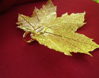 Natural Gold Dipped Maple Leaf