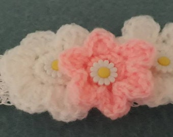 Handmade crochet headband with crochet flowers, baby headband, reborn headband, white and pink daisy crochet headband,cotton headband