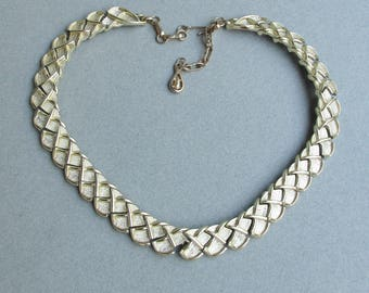 Signed CORO Vintage Textured Modernist Gold Tone XXX Necklace