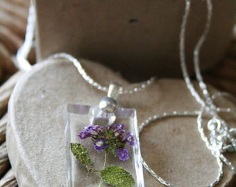 Handmade Blue Porterweed Flowers Resin Pendant Necklace With Metal Chain