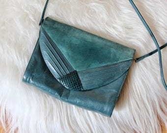 Vintage leather Forest Green Purse/ Vintage Green leather Shoulder bag / Vintage leather hand bag / Boho Hand Bag/ Vintage 80s Shoulder Bag