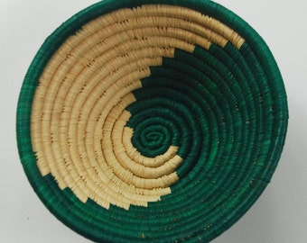 AFRICAN BASKET / Handwoven Sisal / Small / Green and White