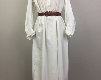 Vintage VICTORIAN White Cotton Dress Nightgown Ruffle Collar and Cuffs Shirtdress Antique 1800s #1