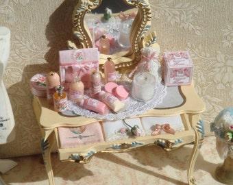 Dollhouse Vanity table. 1:12