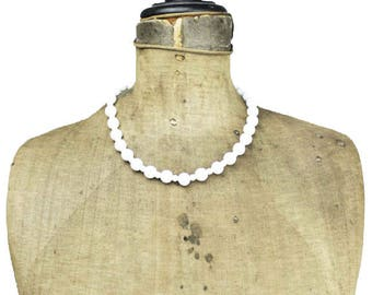 Vintage White Bead Necklace, Milk Glass Necklace, Milk Glass Choker, White Glass Bead Necklace, White Choker Necklace