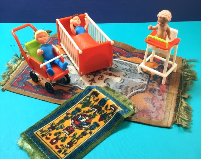 Lot Plastic DOLLHOUSE FURNITURE Made in W. Germany Plus Dolls and Rugs VINTAGE Miniatures