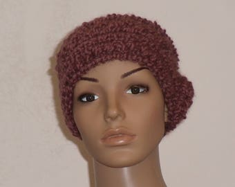Knitted soft cap in pink