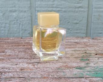 V'E Eau de parfum by Versace. Mini bottle, 3.5 ml or 1/8 oz.