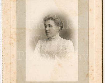 Cabinet Card Photo - Victorian Beautiful Young Woman Named Miss Flo Smith, Hair Up White Lace Dress  - T Bennet & Sons Worcester and Malvern