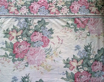 Wamsutta Ivory Red Green Blue Rose Floral Print Queen Size Flat Bed Sheet - 100% Cotton