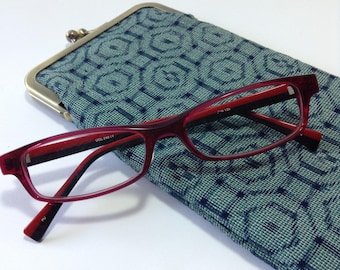 Eye glass case/ Smartphone case /Vintage Japanese kimono fabric case /Sun glass case / Hand-made 56