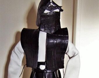 Samouraï  ,statuette CUIR Blanc et  Noir  Pièce unique Créateur France