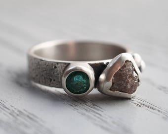 Rough Diamond ring Raw Diamond ring Emerald ring Engagement ring Alternative engagement ring Conflict free Diamond ring Diamond jewelry