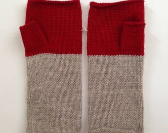 Fingerless Mittens Hand Warmers Wool Fine Gauge in Colorblock in Oatmeal and Red