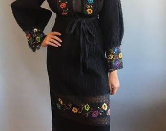 VTG 1970s Mexican Black Floral Embroidered Dress