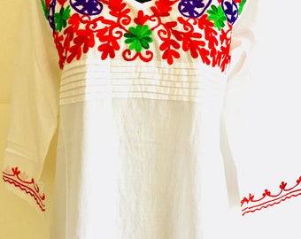 Women 100% cotton white red green floral hand embroidered ethnic Indian boho Kurti kurta tunic dress top Mexican tunic long sleeve Medium