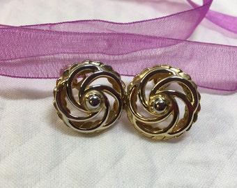 Gold Tone Circle Swirl Screw Back Earrings, Gold Swirl Design Earrings, Swirled Gold Circle Earrings, Gold Tone Round Screw On Earrings