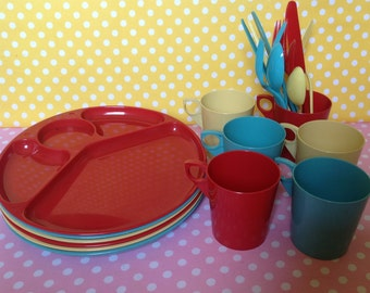Retro picnic plates, plastic picnic ware, plates, cups, flatware, red, blue, yellow plates, Gothamware, made in USA, service for 6