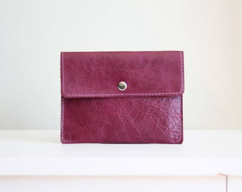 Magenta leather pouch - white leather wallet - leather card holder / cartera de cuero magenta