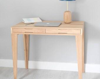 Blogger desk in solid oak