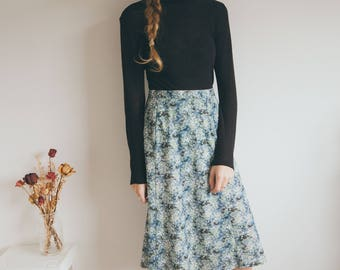 Vintage 70s Skirt Green Floral Print Knee length High Waisted