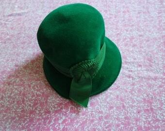 Vintage 1920s Felted Wool Cloche Hat - Antique Flapper Hat