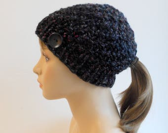 Low Ponytail Beanie Ponytail Hat Chunky Knit Black Gray Pony Tail Bun Hole Hat Gift for Her Outdoor Active Hat Handmade in Alaska