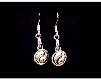 Silver Yin & Yang Earrings, 925 Sterling Silver Wires, Balance Light Weight Lightweight Yoga Meditation Buddha Buddhism