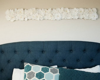 Hanging Floral Mount Adornment - White