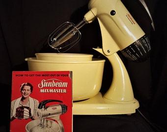 Vintage Sunbeam Mixmaster Yellow Model 11, Sunbeam Mixmaster, Vintage Sunbeam Mixmaster, Sunbeam Yellow Mix, Sunbeam Mixer Vintage Yellow