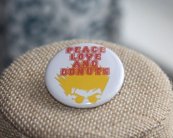 Trigun Peace Love And Donuts Button, Trigun Peace Love And Donuts Pin