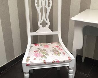 Restored Chair fabric ecru romantic Shabby Chic pink white flowers