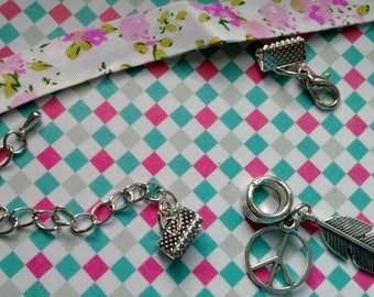Kit to make a bracelet in shades of white, pink liberty charm with love and with adjustable silver metal pen