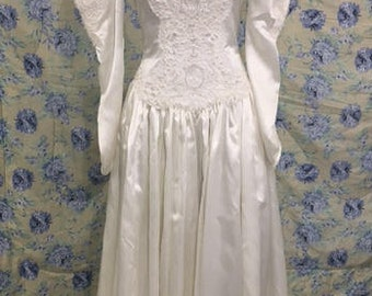 Vintage Long Sleeve White Wedding Dress Sz 8