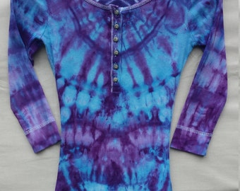 Ladies SMALL - FREE SHIPPING! Ice Dye - Small - Guess Brand Henley Tie Dye Shirt