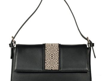 Bead Embroidery Leather Baguette bag Black - Wixárika Mexican Art (Beige/Black)
