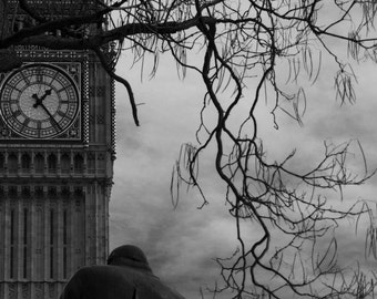 Churchill in front of Parliament
