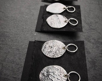 Oxidized sterling silver 925 / Round disc earrings / Raw silver / Rustic jewelry / Posts  / Handmade jewelry / Gift for her / Modern / Boho