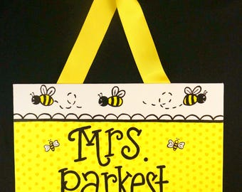 Bumble Bee Teacher Door Sign, Bumble Bee Classroom Decorations, Bee Theme, Teacher Door Hanger, Personalized Teacher Name Sign, School Sign