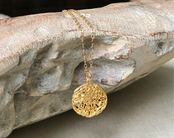 Gold Mesh Medallion Pendant Necklace