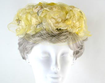1960s Yellow and White Floral Bloom Pillbox, Bubble Hat by Milbrae Exclusive