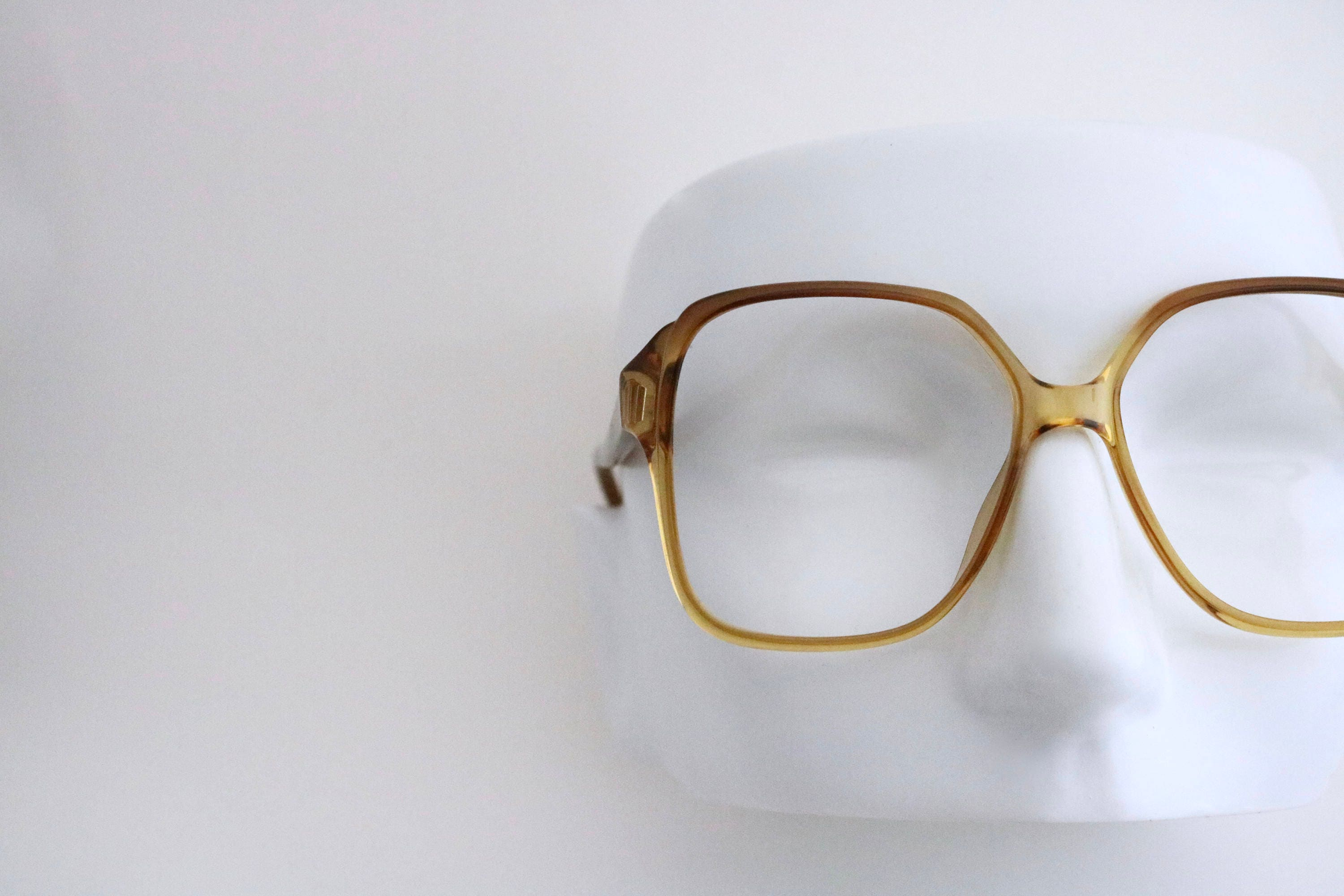 c93a5f48d8 Vintage unisex square coffee fade frames