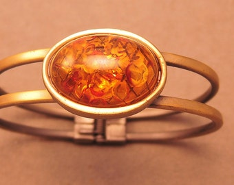 Fantastic Hinged Cuff Bracelet with Large Amber Confetti Lucite Cabochon 1960-70s
