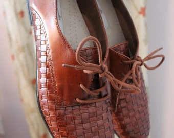 Trotters Woven Tobacco Brown Leather Lila Oxfords Size 10N