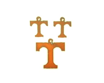 Tennessee T Rusty Metal Pendant/Charm And Earrings 3-Piece Set