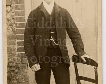 CDV Carte de Visite Photo - Young Victorian Handsome Man Identified, April 1891 Outdoor Portrait - W Bond of Norwich England - Antique Photo