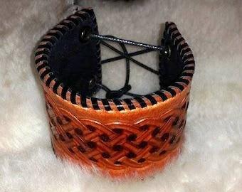 Bracelet Celtic interlacing of leather and velvet