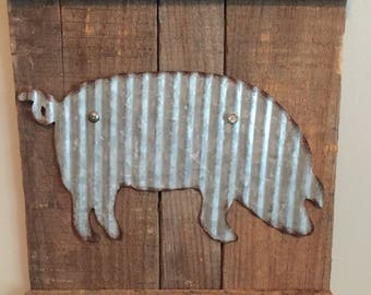 farmhouse, farm animal sign, galavinzed metal pig sign, metal pig wall art