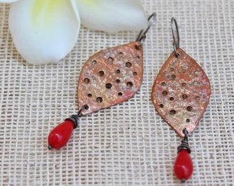 Copper earrings Boho earrings Leaf earrings Earthy earrings Metallic earrings Hammered copper Dangle earrings Patina earrings Mixed metal